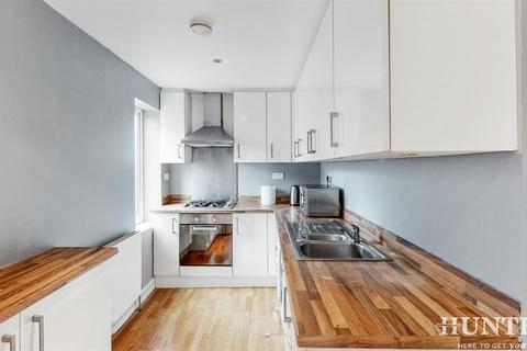 2 bedroom flat for sale - 25 Brook Avenue, Wembley, Middlesex, HA9 8PH
