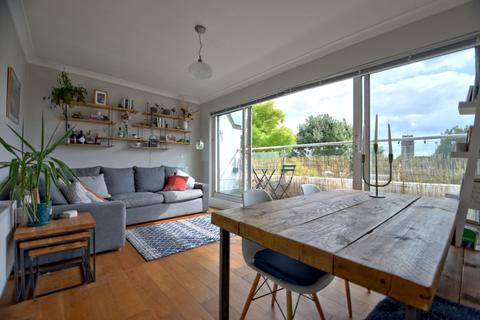 1 bedroom flat for sale - Leighton Road, Kentish Town, London NW5