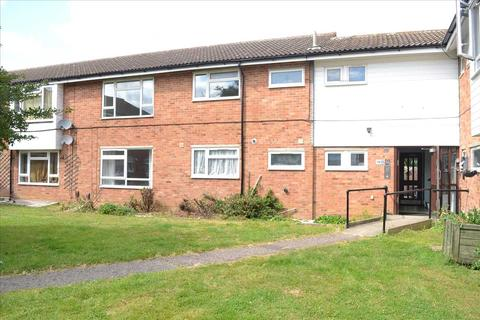 2 bedroom flat for sale - Canberra Close, Chelmsford