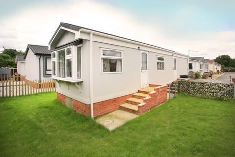 1 bedroom detached bungalow for sale - Main Road, West Winch