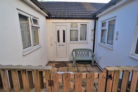 2 bedroom bungalow for sale - Saunders Street, Gillingham, Kent
