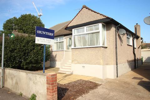 3 bedroom semi-detached house for sale - Rushdene, Abbey Wood, London, SE2 9RP