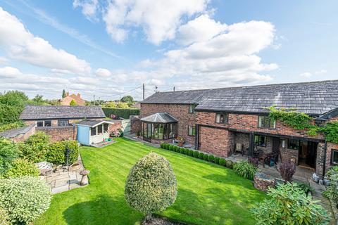 4 bedroom barn conversion for sale - Holly Bush Farm, Rixton, Cheshire