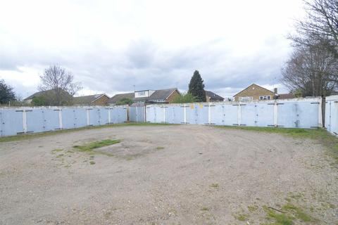 Garage to rent - Southend Road, Stanford-le-hope