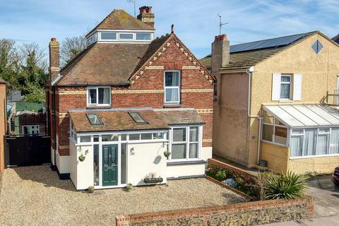 4 bedroom detached house for sale - Minnis Road, Birchington