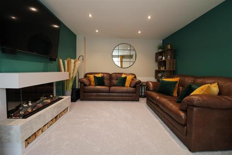 4 bedroom detached house for sale - The Crossing, Kingswinford