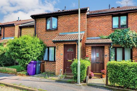 3 bedroom terraced house for sale - Peters Way, Knebworth