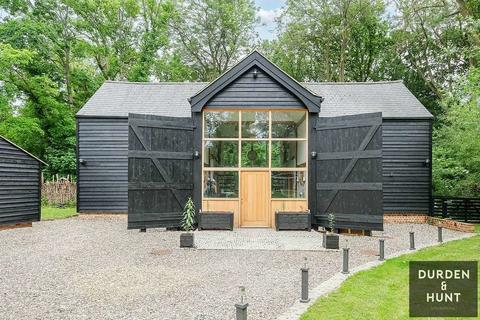 3 bedroom barn conversion for sale - Betts Lane, Nazeing