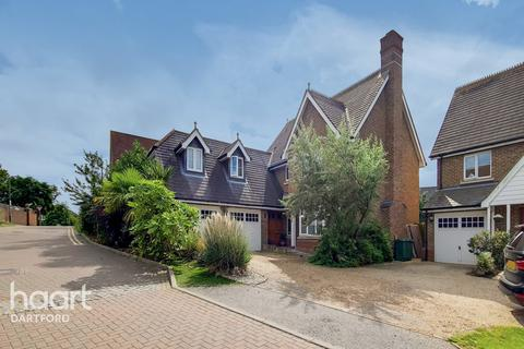 5 bedroom detached house for sale - Pucknells Close, Swanley