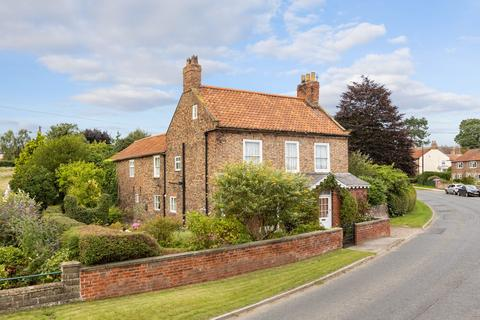 4 bedroom detached house for sale - York Road, Sheriff Hutton, York YO60
