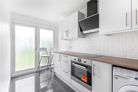 Studio to rent - Dunraven Drive, Enfield, EN2