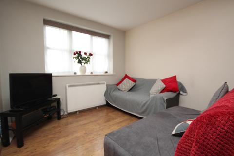 1 bedroom flat to rent - Emerald House, Ferro Road, Rainham, RM13