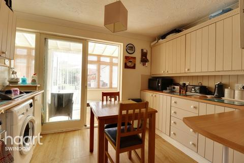 3 bedroom semi-detached house for sale - Somerford Close, Swindon