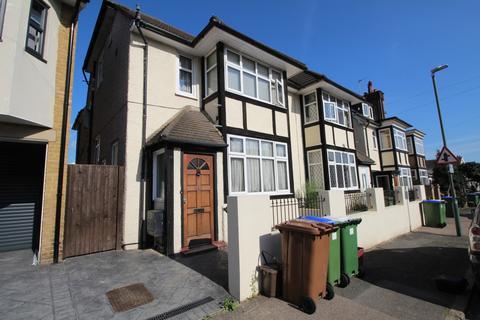 House share to rent - Oaklands Road Bexleyheath DA6