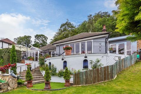 5 bedroom detached bungalow for sale - The Grove, Biggin Hill