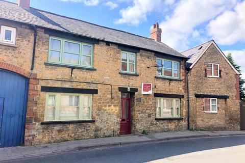 2 bedroom ground floor flat for sale - Station Road, Castle Cary