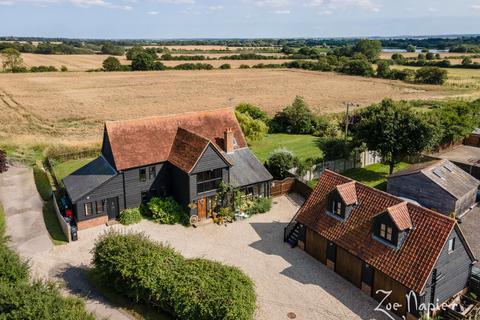 4 bedroom barn conversion for sale - Great Totham, Maldon