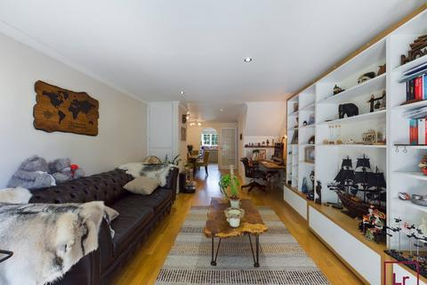 2 bedroom terraced house to rent - Widenham Close, Pinner, Middlesex, HA5