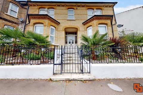 3 bedroom flat for sale - Waldegrave Road, London