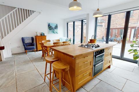 3 bedroom cottage for sale - Bath Mews Cottage,  Tynemouth