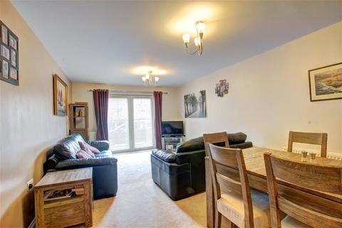2 bedroom apartment for sale - Wharry Court, Manor Park, Newcastle Upon Tyne, NE7