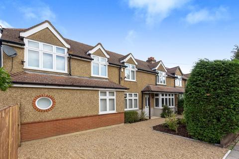 3 bedroom semi-detached house to rent - Scotts Way,  Sunbury,  TW16