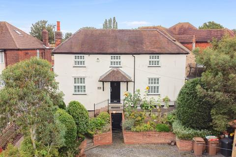 5 bedroom detached house for sale - Chelmsford - Fenn Wright Signature