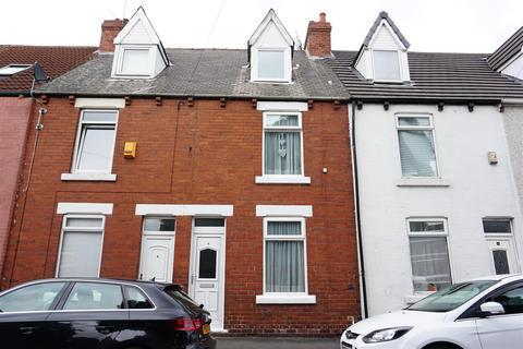 3 bedroom terraced house for sale - Queens Road, Carcroft, Doncaster