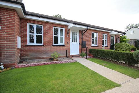 2 bedroom bungalow to rent - Tapestry Court, High Street, Earls Colne, Colchester, CO6