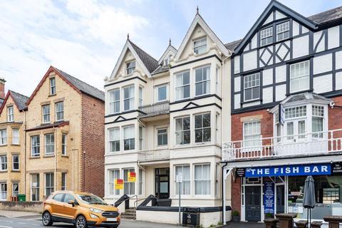 2 bedroom flat for sale - The Central,  Llandrindod Wells,  LD1