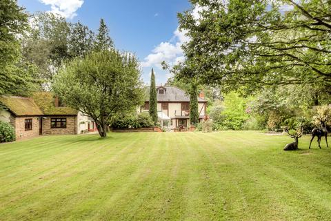 5 bedroom detached house for sale - Foxborough Chase, Stock, CM4