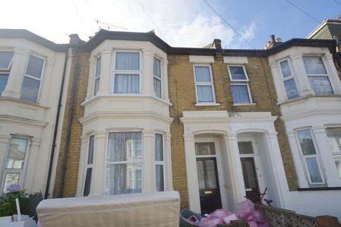 1 bedroom flat to rent - Hillcrest Road, Southend-On-Sea, SS1