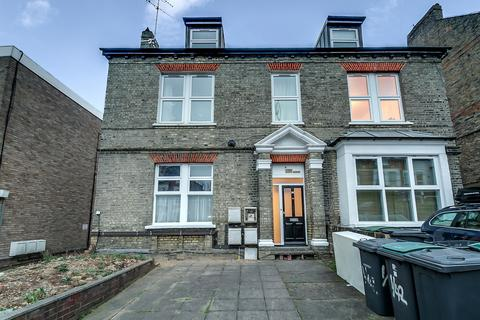 1 bedroom ground floor flat to rent - Church Lane N8
