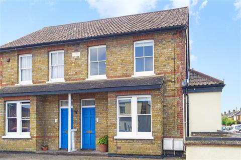 2 bedroom apartment to rent - Beauchamp Road, West Molesey, KT8