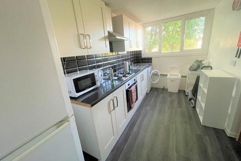 3 bedroom terraced house to rent - Acacia Road, London