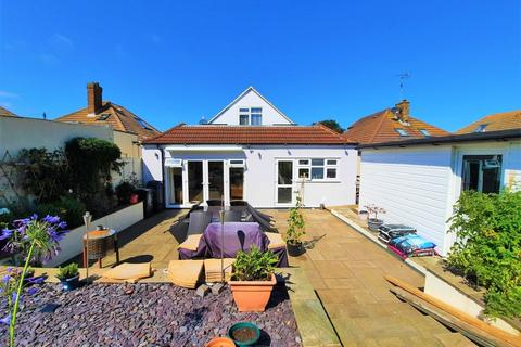 4 bedroom detached bungalow for sale - Botany Road, Broadstairs