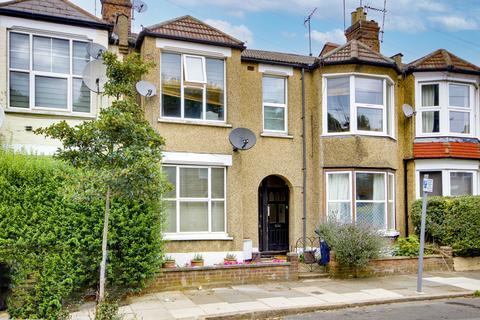 2 bedroom maisonette for sale - Leslie Road, London N2