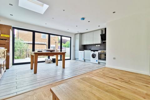 3 bedroom flat to rent - Cotswold Gardens, Cricklewood NW2