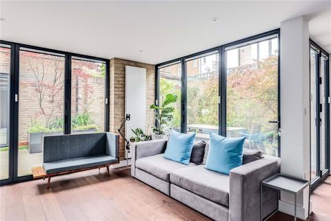 3 bedroom detached house for sale - Douro Street, London, E3