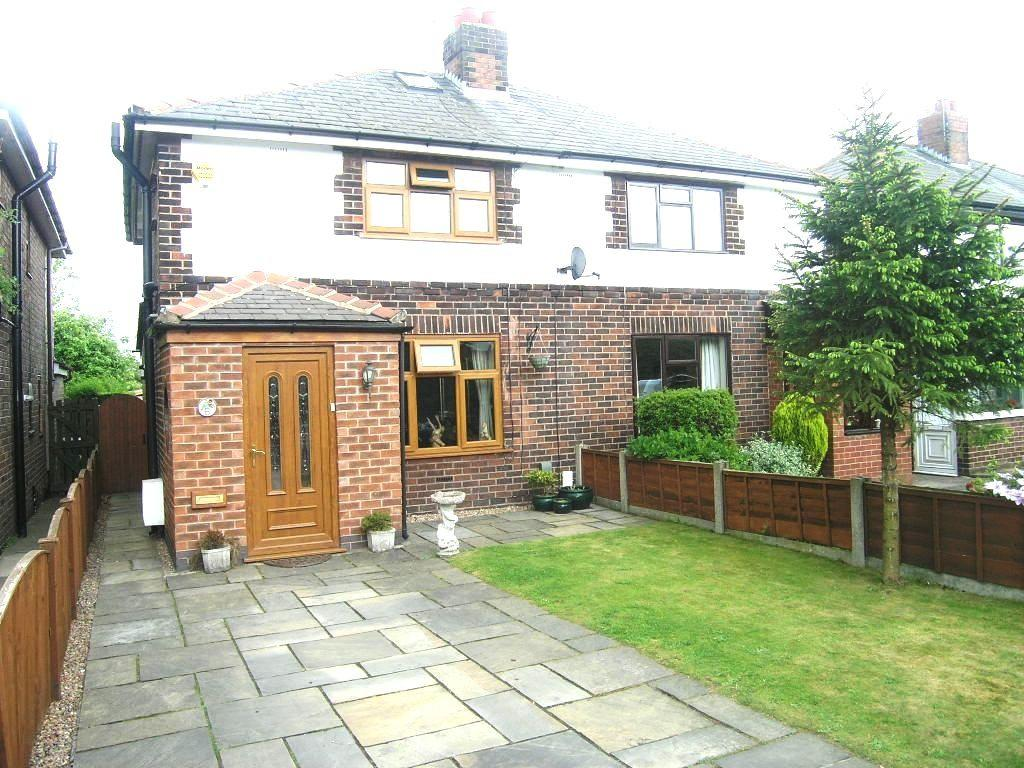 3 Bedrooms House for sale in Mill Lane, Houghton Green, Warrington