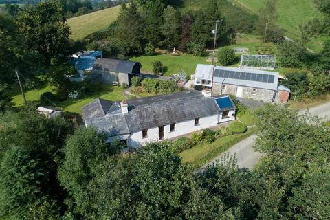 4 bedroom property with land for sale - Cribyn, Lampeter, SA48