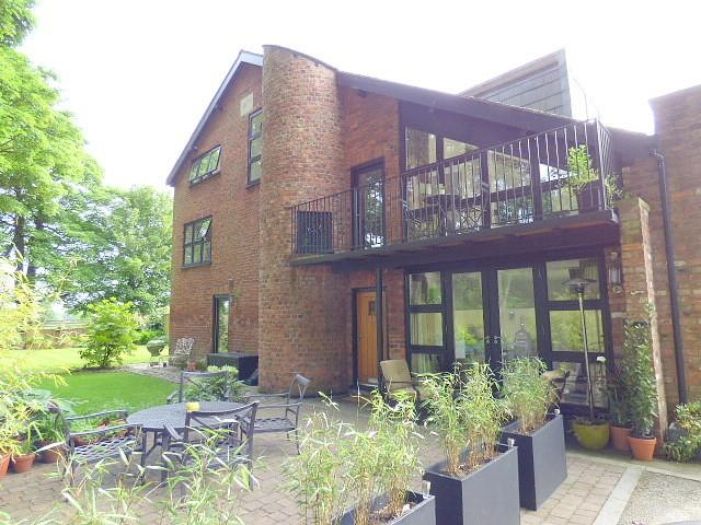 4 Bedrooms House for sale in Culcheth Hall Farm Barns, Culcheth, Warrington