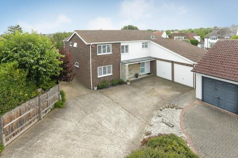 5 bedroom detached house for sale - Cliff Field, Westgate-On-Sea