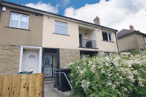 2 bedroom flat for sale - Greenfield Avenue, Shipley