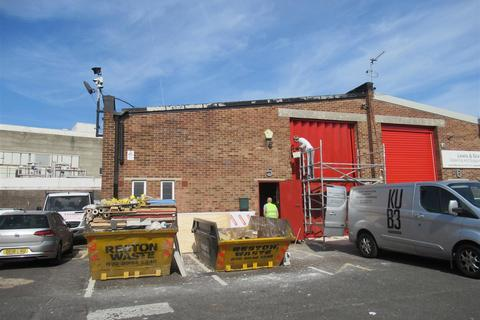 Industrial unit to rent - Kimber Road, Southfields, London