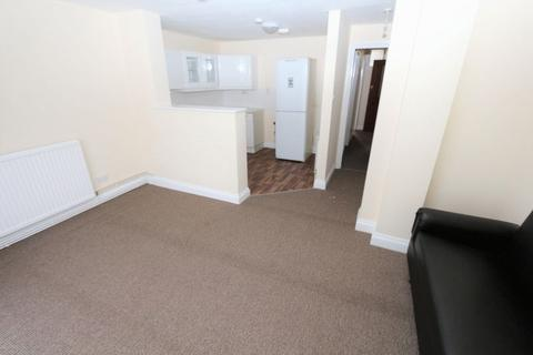 1 bedroom house to rent - Wellesley Road, Ilford