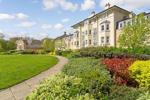 3 bedroom flat to rent - 98 St. Matthews Gardens, Cambridge
