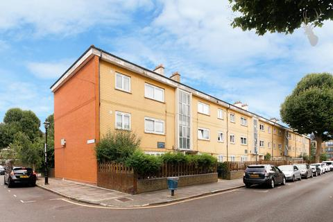 2 bedroom apartment for sale - Stafford Road, London
