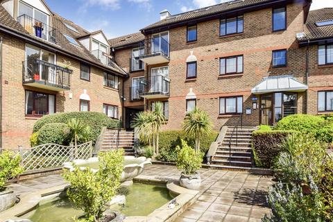 3 bedroom apartment to rent - Lansdowne Road Purley CR8