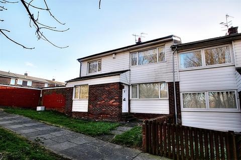 3 bedroom semi-detached house to rent - Croxdale Gardens, Pelaw, Gateshead